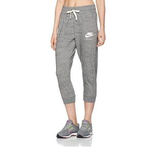nike sportswear gym vintage capri pants